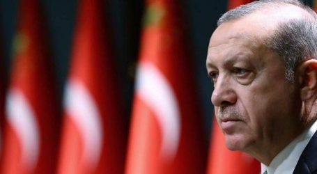 Δικαστήριο καταδίκασε δημοσιογράφο για κριτική που άσκησε στον Ερντογάν και σε κρατικούς αξιωματούχους