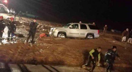 Επτά νεκροί και πέντε αγνοούμενοι από τις σφοδρές βροχοπτώσεις και τις πλημμύρες στην Ιορδανία