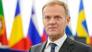 Ο Τουσκ επικρίνει τον Τραμπ και προειδοποιεί εναντίον ενός «φαιού» εθνικισμού στην Ευρώπη