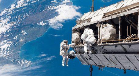 Διαστημικός «περίπατος» ρώσων κοσμοναυτών στις 11 Δεκεμβρίου για την τρύπα στο Σογιούζ
