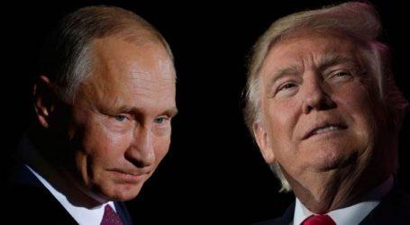 Χειραψία Πούτιν και Τραμπ στην Αψίδα του Θριάμβου