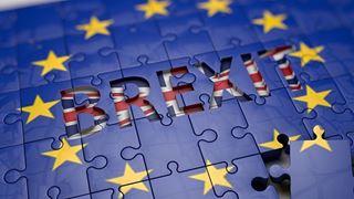Έντονες αντιδράσεις Συντηρητικών και Εργατικών στην ανακοίνωση σχεδίου συμφωνίας για το Brexit