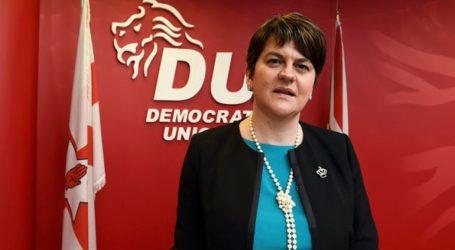 Το DUP διαμηνύει ότι η συμφωνία του με τους Τόρις τερματίζεται αν δεν αντικατασταθεί η πρωθυπουργός