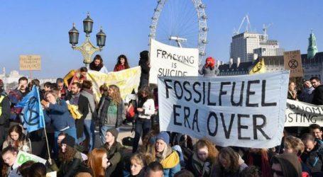 Διαδηλωτές για το περιβάλλον απέκλεισαν πέντε γέφυρες στο κεντρικό Λονδίνο