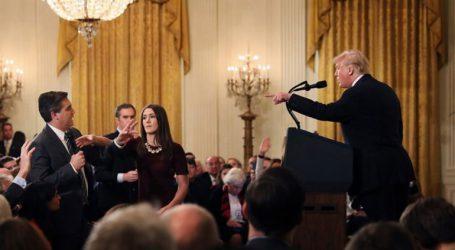 Ο Λευκός Οίκος επαναφέρει τη διαπίστευση του δημοσιογράφου του CNN Τζιμ Ακόστα