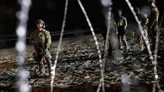 Ο Λευκός Οίκος σχεδιάζει να αναθέσει στον στρατό την προστασία των στελεχών της υπηρεσίας τελωνείων και φύλαξης των συνόρων