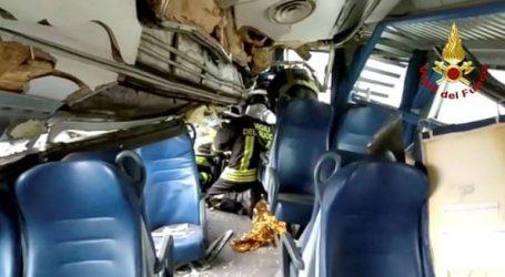 Ένας νεκρός και πέντε τραυματίες από εκτροχιασμό τρένου στη Βαρκελώνη