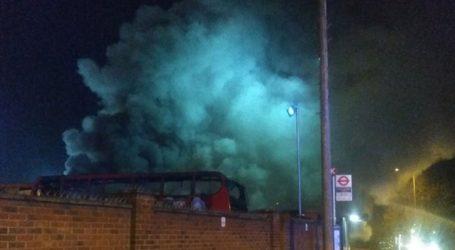 Πυρκαγιά σε αμαξοστάσιο λεωφορείων στο νοτιοανατολικό Λονδίνο