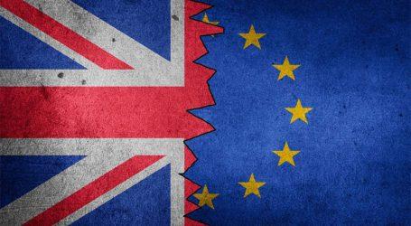 Brexit: To διαζύγιο είναι επίσημο