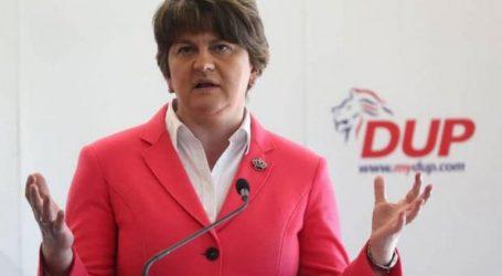 Το DUP της Βόρειας Ιρλανδίας θα επανεξετάσει τη στήριξη toy στη βρετανική κυβέρνηση λόγω Brexit