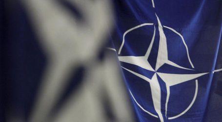 Η ΕΕ και το ΝΑΤΟ απευθύνουν έκκληση στη Ρωσία για αποκλιμάκωση
