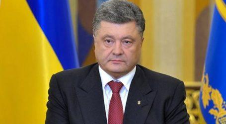 Ο πρόεδρος Ποροσένκο υπέγραψε διάταγμα για την επιβολή στρατιωτικού νόμου