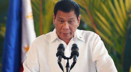 Ο πρόεδρος των Φιλιππίνων καλεί τους Καθολικούς να μην πληρώνουν τους «ανόητους» ιερείς