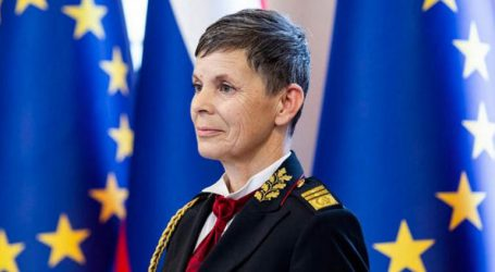 Η πρώτη γυναίκα επικεφαλής ενόπλων δυνάμεων σε χώρα του ΝΑΤΟ