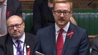 Βουλευτής των Εργατικών αποκάλυψε στο κοινοβούλιο ότι είναι οροθετικός