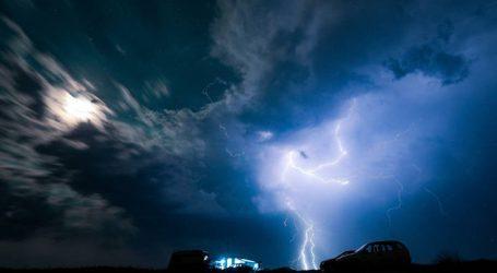 Καταιγίδα σάρωσε την Αττική τα ξημερώματα