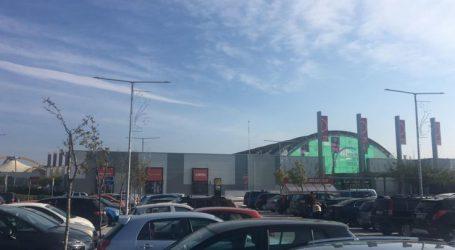 Άνοιξε τις πύλες του από το πρωί το Fashion City Outlet – Πλήθος επισκεπτών στο νέο εμπορικό (φωτό)