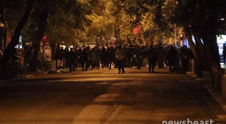 Μολότοφ στη Στουρνάρη, ισχυρές αστυνομικές δυνάμεις στα Εξάρχεια