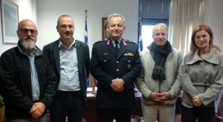 """Εθιμοτυπική επίσκεψη εκπροσώπων της Γαλλικής πρεσβείας στην Ελλάδα στον """"Θεσσαλάρχη"""" της ΕΛ.ΑΣ."""