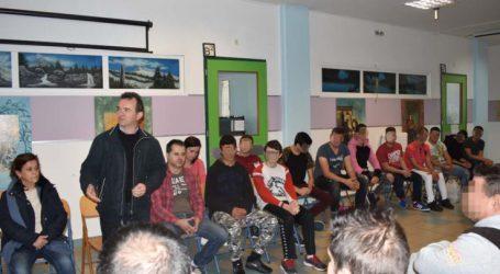 Εκπαιδευτική επίσκεψη στο Σχολείο Φυλακής: Τα είπαν ως…συμμαθητές!