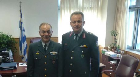 """Εθιμοτυπικά στον νέο """"Θεσσαλάρχη"""" της ΕΛ.ΑΣ., ο διοικητής της 110 Πτέρυγας Μάχης"""