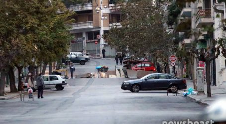 Στήνουν μπλόκο στη γωνία της Τοσίτσα με την Τσαμαδού