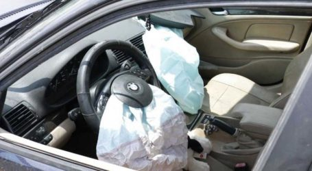 «Τούμπαρε» αυτοκίνητο με γυναίκα οδηγό στη Λάρισα