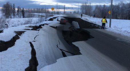 Μεγάλες ζημιές σε υποδομές από τον ισχυρό σεισμό των 7R στην Αλάσκα