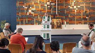 Εκκλησιαστική λειτουργία χωρίς διακοπή για να μην απελαθεί αρμενική οικογένεια