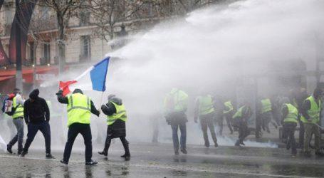 Δακρυγόνα στο Παρίσι κατά της διαδήλωσης των «κίτρινων γιλέκων»