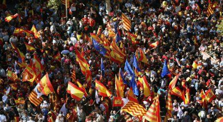 Χιλιάδες διαδηλωτές υπέρ της ενότητας της Ισπανίας