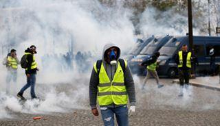 Γαλλία: Σκηνές αντάρτικου πόλης στην καρδιά του Παρισιού