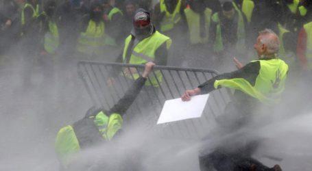 «Kίτρινα γιλέκα»: 378 άτομα τέθηκαν υπό προσωρινή κράτηση