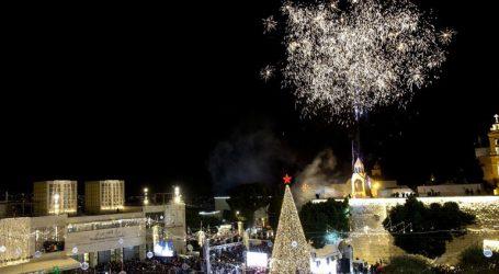 Άναψε το χριστουγεννιάτικο δέντρο στη Βηθλεέμ