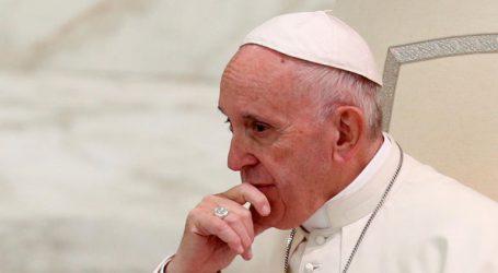 Πάπας Φραγκίσκος: Εκτός κλήρου οι ομοφυλόφιλοι