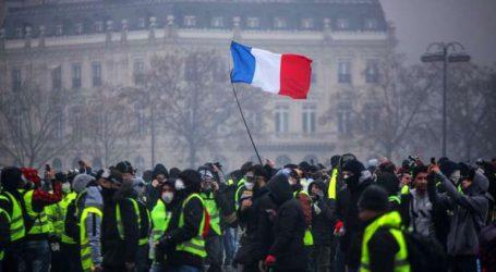 «Ανεκδιήγητες οι βιαιότητες στο Παρίσι και σε άλλες γαλλικές πόλεις το Σάββατο»