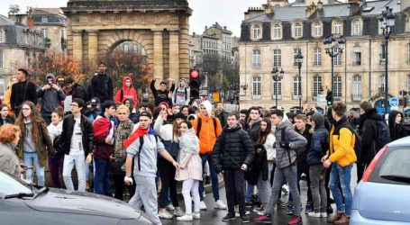 Υπολειτουργούν δεκάδες λύκεια στη Γαλλία
