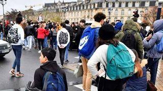 Γαλλία: Νέες κινητοποιήσεις στα Λύκεια