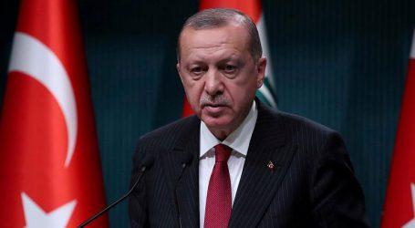 Ο Ερντογάν καταδικάζει τη χρήση «υπέρμετρης βίας» εναντίον των διαδηλωτών στη Γαλλία