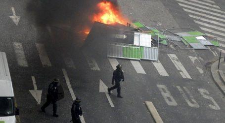 Δημοσιογράφοι τραυματίστηκαν στις διαδηλώσεις στο Παρίσι
