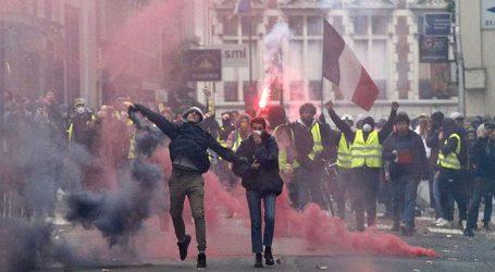 Περισσότεροι από 100 τραυματίες διακομίστηκαν σε νοσοκομεία του Παρισιού