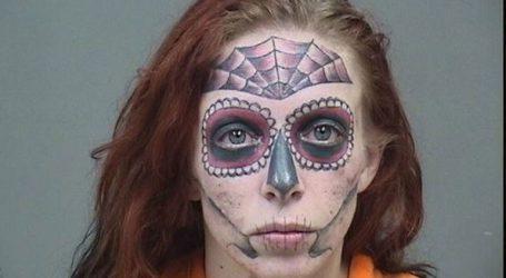 Συνελήφθη και έγινε viral λόγω των τατουάζ της