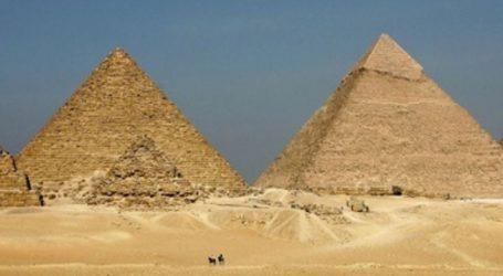 Έρευνα στην Αίγυπτο για βίντεο με γυμνό ζευγάρι που σκαρφάλωσε στην Πυραμίδα του Χέοπα