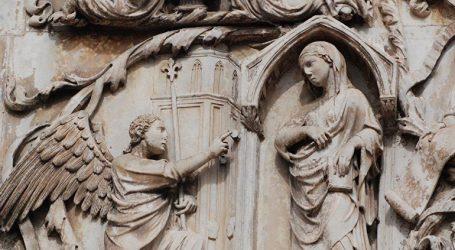 Καθηγητής στις ΗΠΑ υποστηρίζει ότι ο Θεός γονιμοποίησε την Παναγία χωρίς τη συναίνεσή της