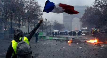 Σχεδόν 2.000 άνθρωποι προσήχθησαν κατά τις χθεσινές διαδηλώσεις, 1.700 τέθηκαν υπό κράτηση
