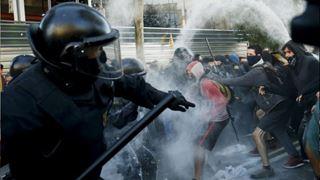 Ο υπ. Εσωτερικών θα στείλει την εθνική αστυνομία στην Καταλονία μετά τις διαδηλώσεις