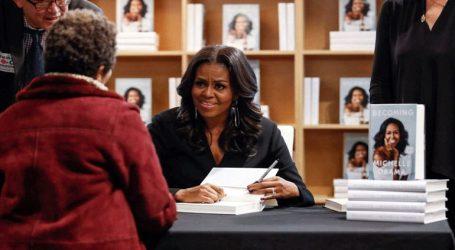 Η Μισέλ Ομπάμα στο Παρίσι την 16η Απριλίου, για να παρουσιάσει το βιβλίο της