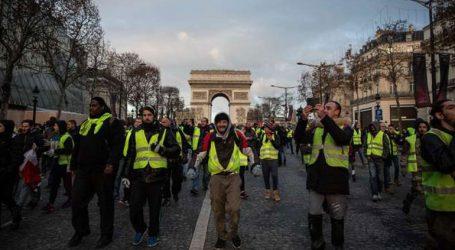 Απευθύνει έκκληση προς τα «κίτρινα γιλέκα» για επικράτηση της λογικής