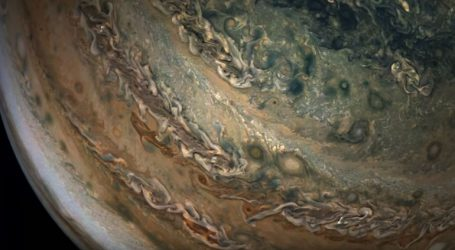 Εντυπωσιακές εικόνες από τον πλανήτη Δία