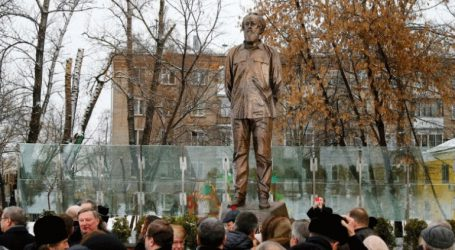 Στήθηκε άγαλμα του Σολτζενίτσιν στη Μόσχα